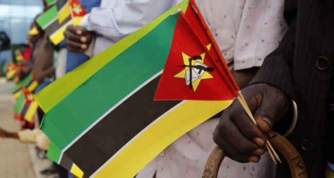 Mozambikli sanatçılardan İstiklal Marşı